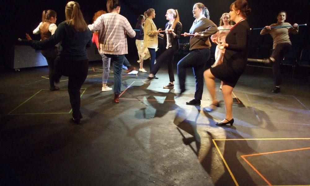 http://www.danceahead.co.uk/wp-content/uploads/2018/03/Side-by-Side-1-1000x600.jpg